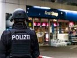 Mann tötet Tankstellen-Kassierer wegen Ärger über Maskenpflicht