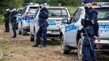 Grenze zu Belarus - Tote Migranten: Polen wirft Minsk organisierte Aktion vor