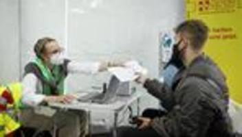 Corona in Deutschland: Verbraucherschützer gegen höhere Versicherungsbeiträge für Ungeimpfte
