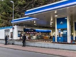 Getöteter Tankstellen-Kassierer: Mutmaßlicher Täter teilte Querdenken-Inhalte