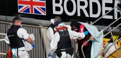 Ärmelkanal: mehr als hundert migranten gerettet - boote in seenot