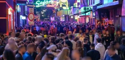 Coronavirus: Hamburg lockert 2G-Modell – volle Stadien und Klubs möglich