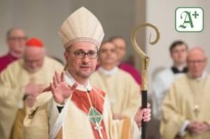Katholische Kirche: Hamburger Erzbischof Heße als Zeuge in Missbrauchsprozess