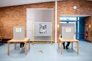 Bundestag: Bundestagswahl: Mehr Wahlkabinen in einigen Städten geplant