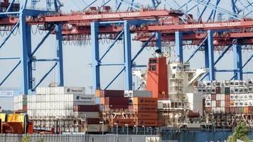 hafenbetreiber: chinesische cosco beteiligt sich an hhla container terminal tollerort