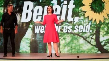 Annalena Baerbock: Gehalt, Lebenslauf und politische Laufbahn der Grünen-Politikerin