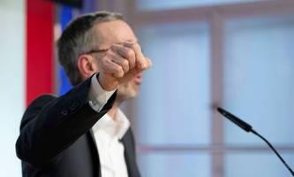 Keine Teilnahme am Impfstriptease: FPÖ kritisiert Impfdebatte