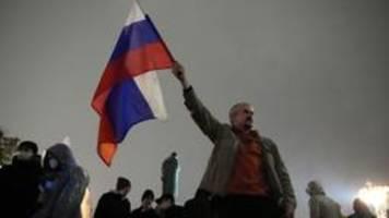 proteste nach sieg der kreml-partei bei parlamentswahl