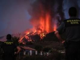 Experten fürchten Giftgase: Lava zerstört über 300 Häuser auf La Palma