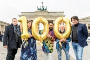 silvester in berlin: dieter hallervorden feiert silvester am brandenburger tor