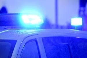 unfälle: auto kommt von autobahn 19 bei laage ab: fahrer stirbt