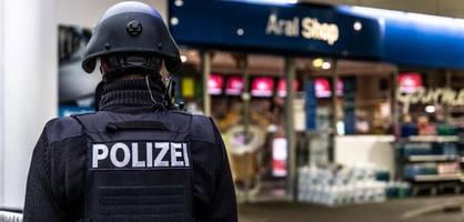 "Maskenverweigerer erschießt Verkäufer, ""Querdenker"" jubeln im Netz"