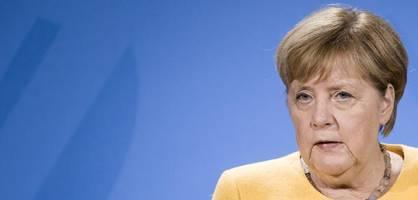 Merkel und Kramp-Karrenbauer danken der Bundeswehr