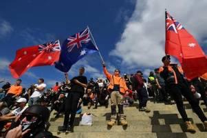 australien: neue proteste gegen impfpflicht für baubranche