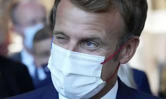 Corona-Impfzertifikat von Präsident Macron illegal publiziert