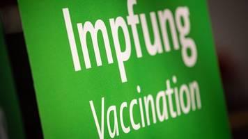 Corona-Pandemie - Stiko: Keine generelle Booster-Empfehlung für Senioren