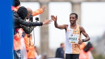 leichtathletik - masken und regelkonforme schuhe: berlin-marathon ist zurück
