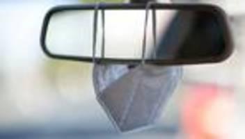Verbandskasten im Auto: Autofahrer sollen auch nach der Pandemie Schuzmasken mitführen