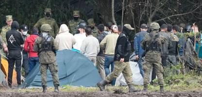 Polen: Flüchtlingshelfer über Neuankömmlinge aus Belarus