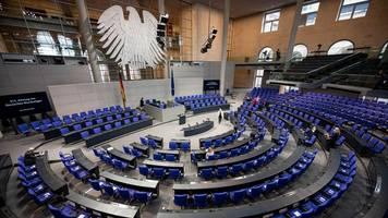 Bundestagswahl - Wahlforscher: Bundestag könnte über 900 Abgeordnete zählen