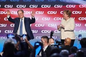 Wahlkämpfer im Schlussspurt - Laschet und Merkel in Aachen