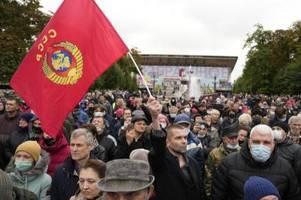 russland: kommunisten klagen gegen resultate von online-wahl