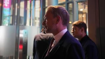 Koalitionsgeflüster aus Berlin, Tag 1 - Hinter den Kulissen zeigt sich: Die SPD hat Angst vor Lindner, die CDU vor Laschet