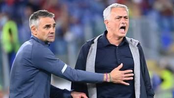 """AS Rom verliert mit 2:3 - Mourinho-Schimpftirade nach Derby-Niederlage gegen Lazio Rom: """"Leck mich doch!"""""""