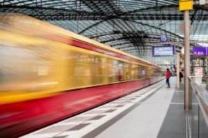 Verkehr: Mehr als 700.000 Menschen nutzten ÖPNV-Abo