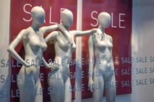Pandemie: Studie: Modehandel leidet weiter unter Corona-Folgen