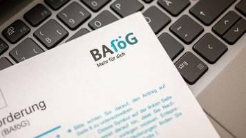 studienfinanzierung: der reformstau beim bafög drängt studierende in teure studienkredite