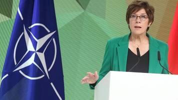 Kramp-Karrenbauer will Afghanistan-Einsatz aufarbeiten – Kritik