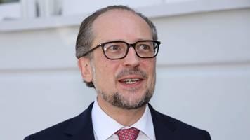 Österreich: Alexander Schallenberg als neuer Kanzler vereidigt