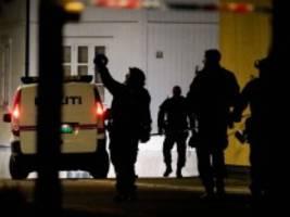 Gewalttat in Norwegen: Plötzlich hörte ich die Polizei brüllen: 'Leg deine Waffe hin!'