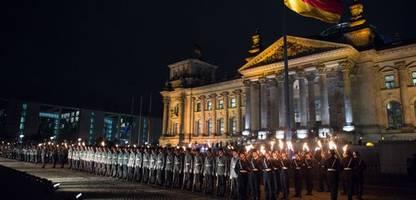 Afghanistan: Großer Zapfenstreich für Soldatinnen und Soldaten der Bundeswehr