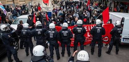 stuttgart: angriff auf teilnehmer einer »querdenker«-demo – freiheitsstrafen verhängt