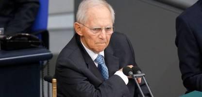 Wolfgang Schäuble im Bundestag: Bayerns JU-Chef Christian Doleschal drängt Schäuble zu Rückzug