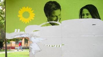 bundestagswahl 2021: plakate von afd und grünen am häufigsten zerstört