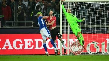 2. Liga - Sieg in Hannover: Schalke 04 trifft in der Nachspielzeit