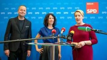 Rot-Rot-Grün in Berlin empfiehlt Koalitionsverhandlungen