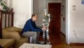 flucht aus afghanistan: herr karimi und der roboter
