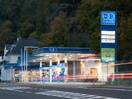 tanktourismus lohnt nicht immer: immer mehr autofahrer tanken im ausland