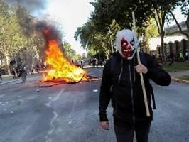 wieder anti-regierungsproteste: demonstranten sorgen für chaos in chile