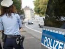 polizei mit großaufgebot in nürnberger schule