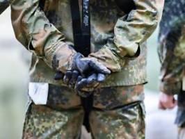 pläne für söldnertruppe?: ex-soldaten stehen unter terrorverdacht