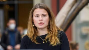 Klimaaktivistin Luisa Neubauer stellt Forderungen an neue Regierung
