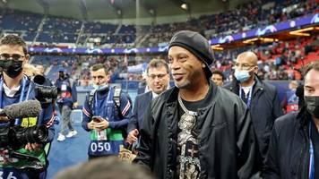 Champions League: Brasilianische Magie - Messi freut sich über Ronaldinho
