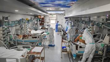 """diese pandemie ist noch lange nicht vorbei - """"apokalyptische"""" corona-lage in rumänien: in der leichenhalle ist kein platz mehr"""