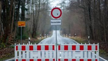 achtung, orkan! - sturm hendrik peitscht auf deutschland ein: so schützen sie haus, garten und auto