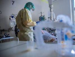 Kritik an Impfstoff-Verteilung: WHO: 115.000 tote Pflegekräfte wegen Corona